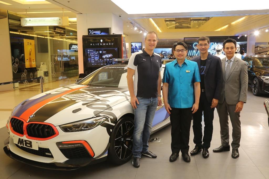 บีเอ็มดับเบิลยู กรุ๊ป ประเทศไทย เผยโฉมรถยนต์เซฟตี้คาร์มุ่งหน้าสู่การแข่งขันมอเตอร์ไซค์ ระดับโลก